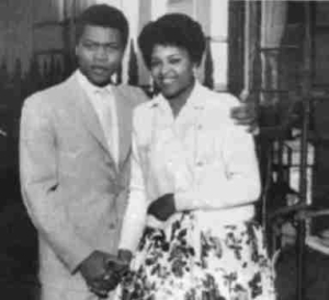 Have You Ever Seen Fela In A Suit? Check Out This Throwback Photo Of The Legend and His Wife